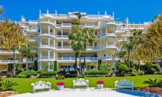 Exclusive apartment for sale with sea views in a frontline beach complex on the New Golden Mile, Marbella - Estepona 30951