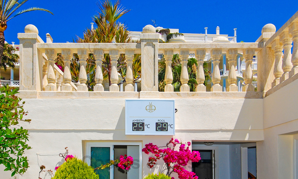Exclusive apartment for sale with sea views in a frontline beach complex on the New Golden Mile, Marbella - Estepona 30955