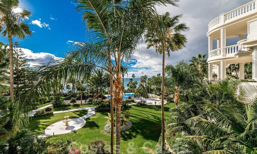 Exclusive apartment for sale with sea views in a frontline beach complex on the New Golden Mile, Marbella - Estepona 30971