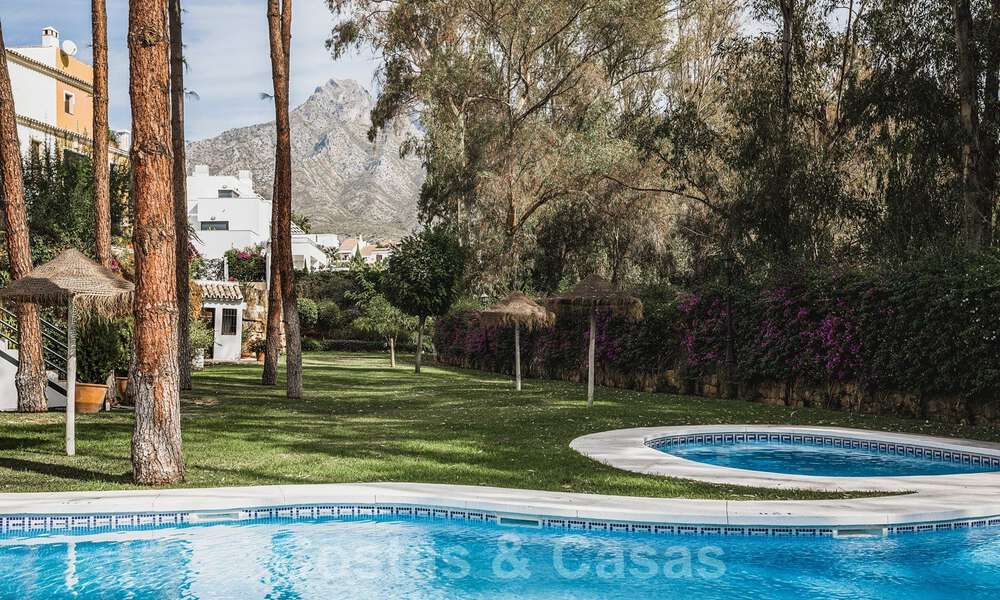 Renovated family home for sale in gated complex close to Puente Romano on the Golden Mile in Marbella 31293