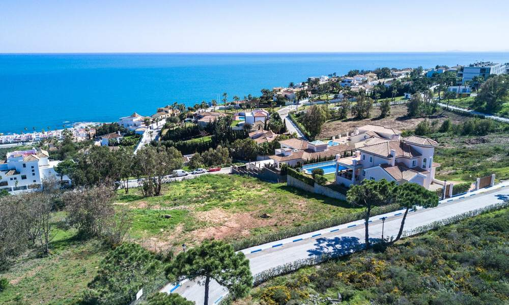 Modern luxury villa with spectacular panoramic sea views for sale on the Costa del Sol. Near completion. 31335