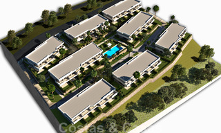 New, modern townhouses for sale, some with golf- and sea views, frontline golf in Estepona 31529