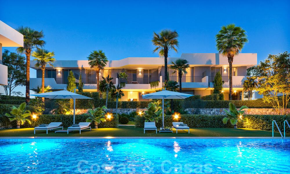 New, modern townhouses for sale, some with golf- and sea views, frontline golf in Estepona 31533