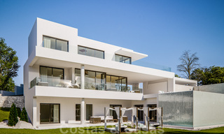 Modern new villas with sea views for sale, located in a gated and secure community in Benahavis - Marbella 31573