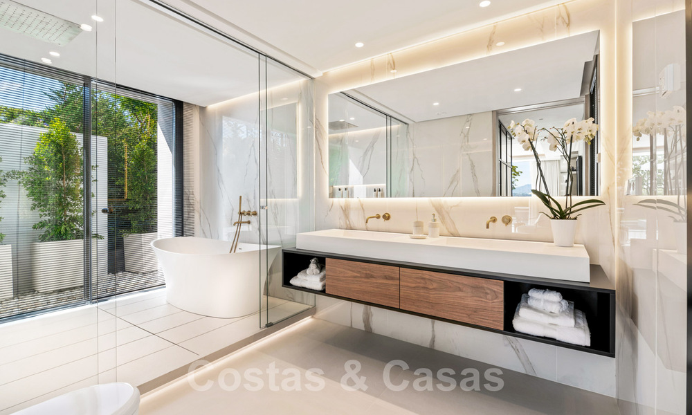 Refurbished luxury villa in contemporary style for sale, close to amenities in the golf valley of Nueva Andalucia, Marbella 31726
