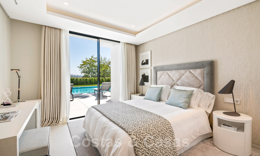 Refurbished luxury villa in contemporary style for sale, close to amenities in the golf valley of Nueva Andalucia, Marbella 31732