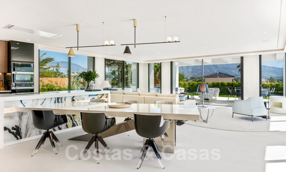 Refurbished luxury villa in contemporary style for sale, close to amenities in the golf valley of Nueva Andalucia, Marbella 31737