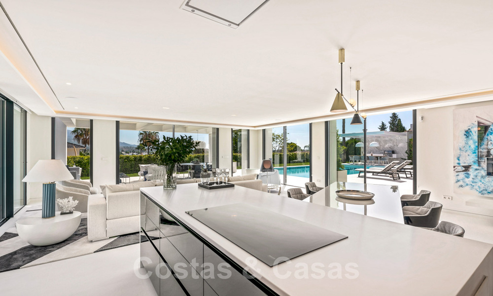 Refurbished luxury villa in contemporary style for sale, close to amenities in the golf valley of Nueva Andalucia, Marbella 31738