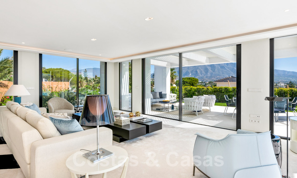 Refurbished luxury villa in contemporary style for sale, close to amenities in the golf valley of Nueva Andalucia, Marbella 31739