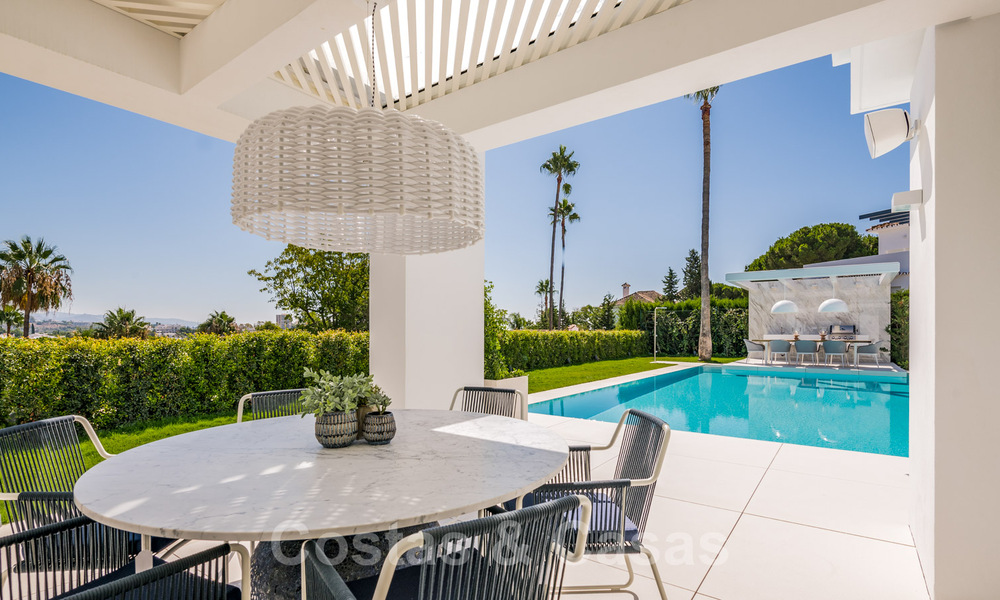 Refurbished luxury villa in contemporary style for sale, close to amenities in the golf valley of Nueva Andalucia, Marbella 31741