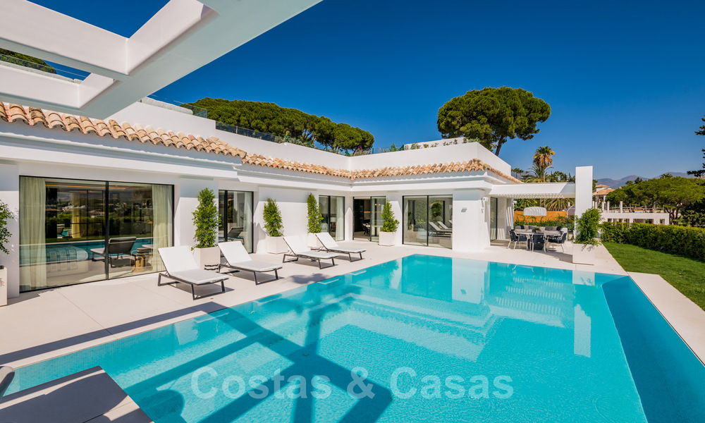 Refurbished luxury villa in contemporary style for sale, close to amenities in the golf valley of Nueva Andalucia, Marbella 31746