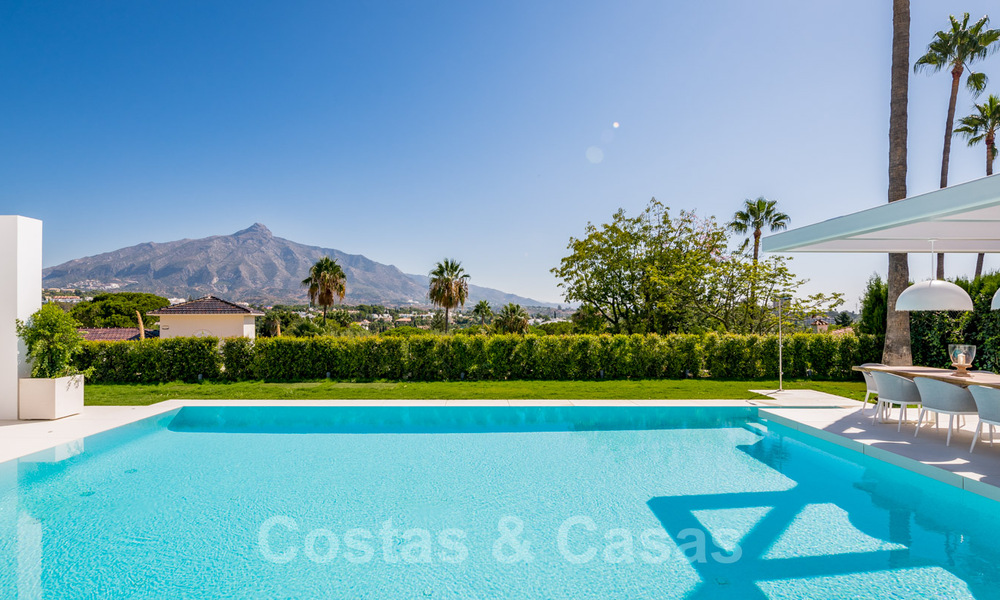 Refurbished luxury villa in contemporary style for sale, close to amenities in the golf valley of Nueva Andalucia, Marbella 31755