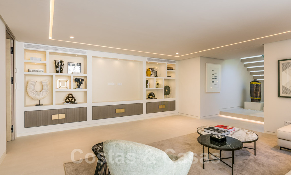 Refurbished luxury villa in contemporary style for sale, close to amenities in the golf valley of Nueva Andalucia, Marbella 31757
