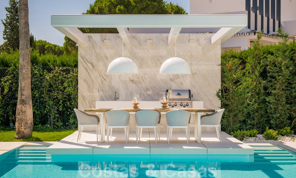 Refurbished luxury villa in contemporary style for sale, close to amenities in the golf valley of Nueva Andalucia, Marbella 31760