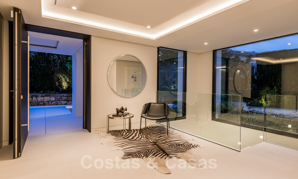 Refurbished luxury villa in contemporary style for sale, close to amenities in the golf valley of Nueva Andalucia, Marbella 31769