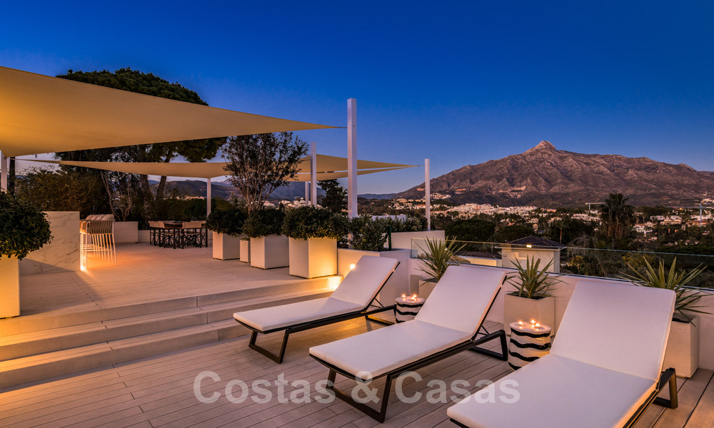 Refurbished luxury villa in contemporary style for sale, close to amenities in the golf valley of Nueva Andalucia, Marbella 31786