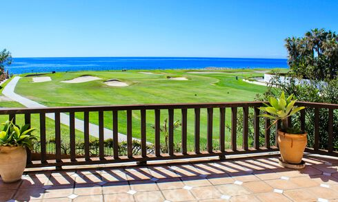 Frontline golf and beach villa for sale in Marbella West with unique golf and sea views! 31850