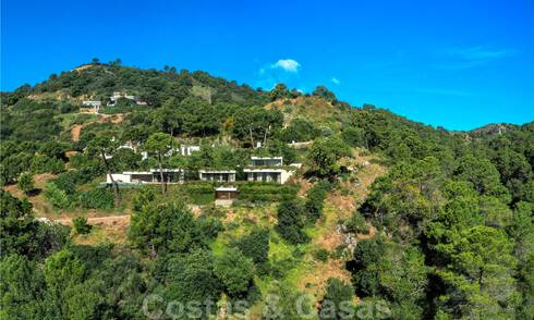 Green and sustainable design villas for sale, integrated in their natural surroundings, overlooking the valley and the sea in a gated resort in Benahavis - Marbella 31924