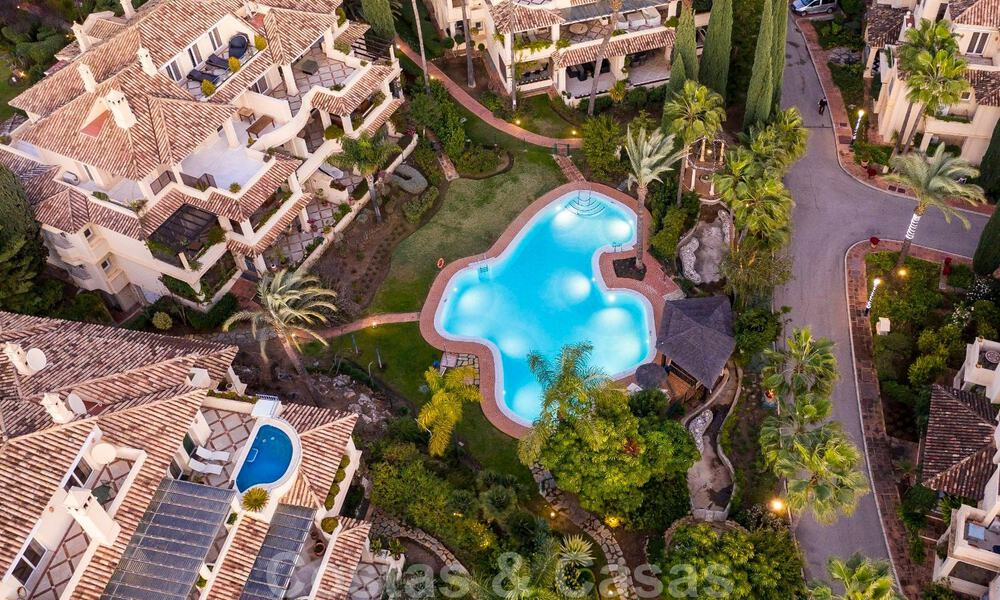 Spacious luxury penthouse with panoramic views for sale on a golf course in Nueva Andalucia, Marbella 32082