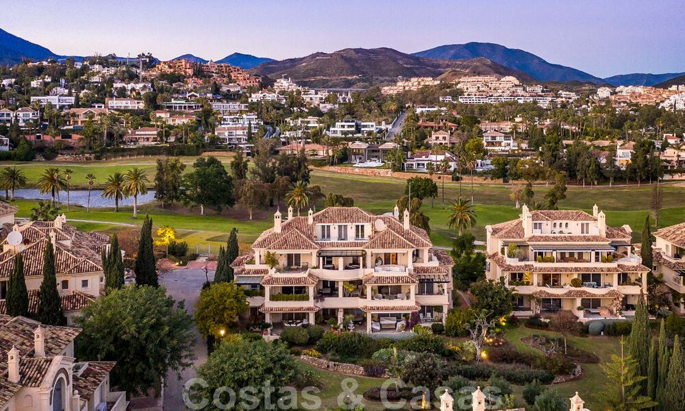 Spacious luxury penthouse with panoramic views for sale on a golf course in Nueva Andalucia, Marbella 32097