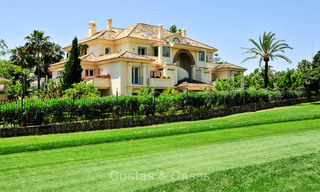 Spacious luxury penthouse with panoramic views for sale on a golf course in Nueva Andalucia, Marbella 32100