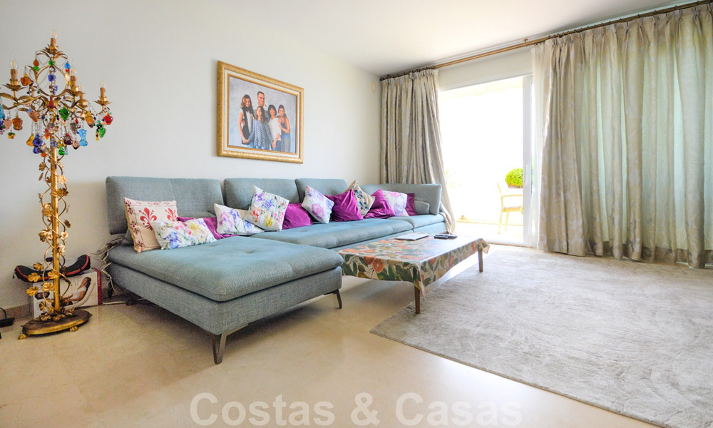 Frontline beach penthouse apartment for sale with private pool on the New Golden Mile, between Marbella and Estepona 32186