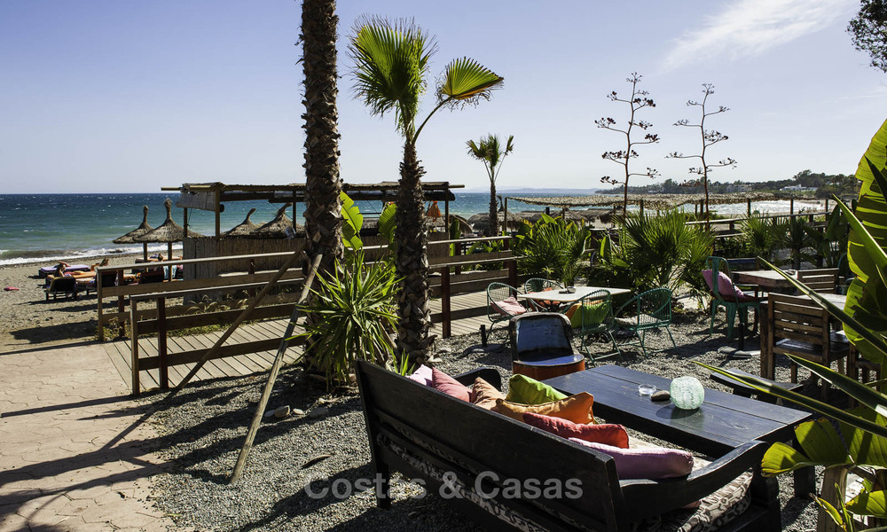 Frontline beach penthouse apartment for sale with private pool on the New Golden Mile, between Marbella and Estepona 32195