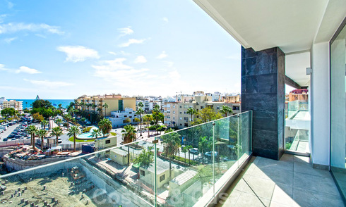 Elegant modern apartment with sea- and city views for sale in the centre of Estepona 32250