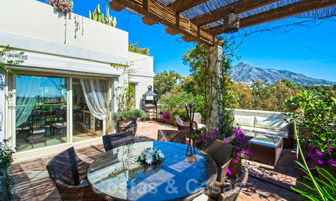 Gorgeous south facing penthouse with stunning sea- and mountain views for sale in the Golf Valley of Nueva Andalucia, Marbella 32464