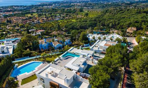 Spacious, modern design penthouse apartment with stunning sea views for sale in Sierra Blanca on the Golden Mile, Marbella 32689