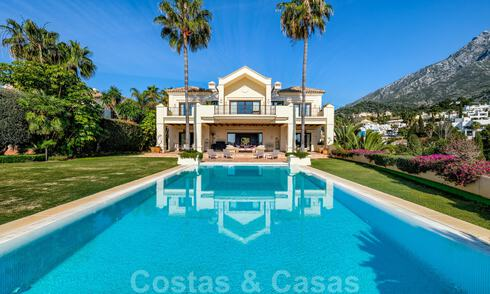 Luxury villa for sale in a classic Mediterranean style with lovely sea views in a gated community on the Golden Mile, Marbella 33003