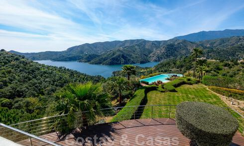 Contemporary villa for sale in the middle of nature with breath-taking views of the lake, the mountains and the sea near Marbella 33164