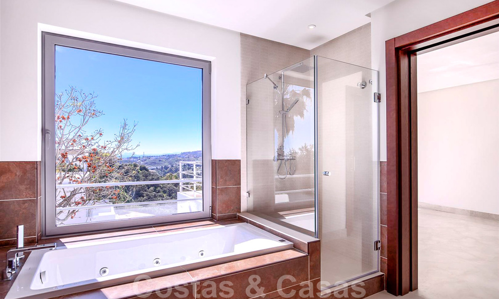 Ready to move in, new modern luxury villa for sale with sea views in Marbella - Benahavis in gated community 33571