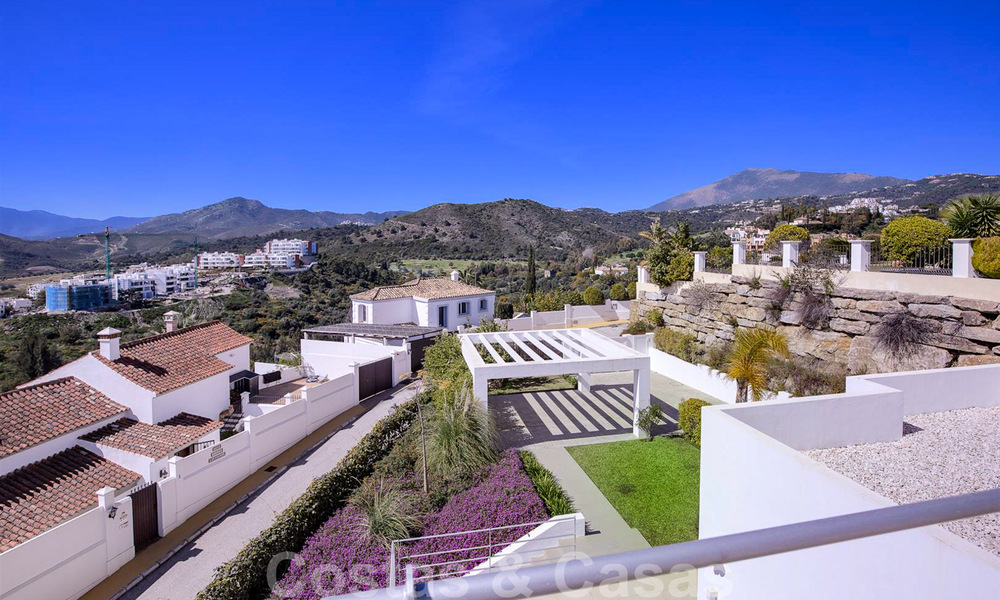 Ready to move in, new modern luxury villa for sale with sea views in Marbella - Benahavis in gated community 33574