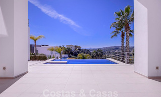 Ready to move in, new modern luxury villa for sale with sea views in Marbella - Benahavis in gated community 33576