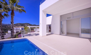 Ready to move in, new modern luxury villa for sale with sea views in Marbella - Benahavis in gated community 33578