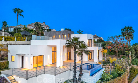 Ready to move in, new modern luxury villa for sale with sea views in Marbella - Benahavis in gated community 33579
