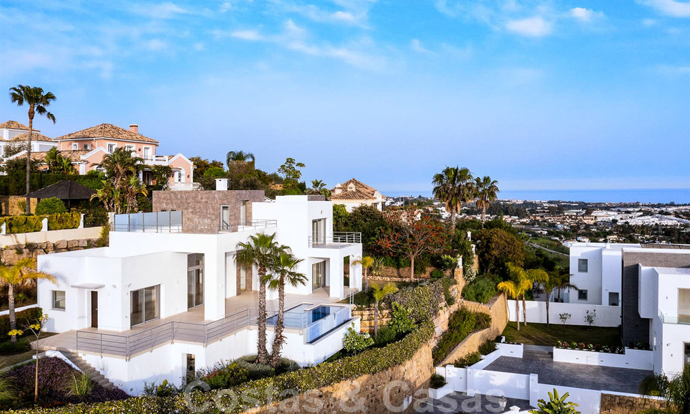 Ready to move in, new modern luxury villa for sale with sea views in Marbella - Benahavis in gated community 33586