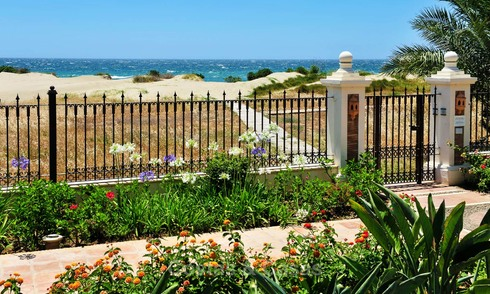 Beachfront apartments for sale in Los Monteros Playa, Marbella 21645