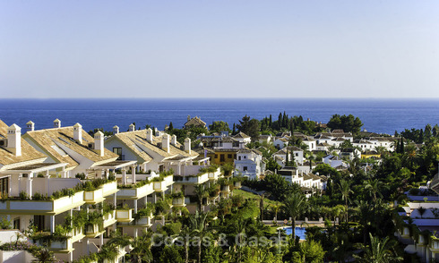 Luxury apartment for sale on the Golden Mile between central Marbella and Puerto Banus 17249