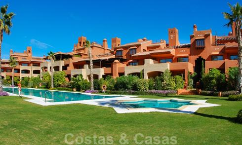 Luxury beachside Apartments in Alhambra style for sale, Marbella - Estepona 25990