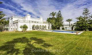 Stately, very luxurious beachfront palace for sale, between Estepona and Marbella 11646
