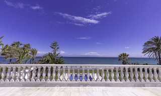 Stately, very luxurious sea front palace for sale, between Marbella en Estepona 13022