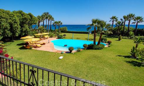 Majestic frontline beach villa for sale, between Marbella and Estepona 29613