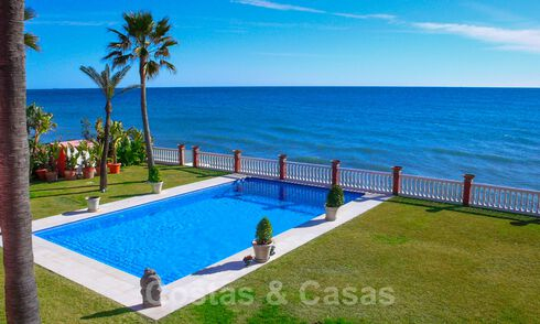 Sea front luxury villa for sale, Marbella - Estepona 31111