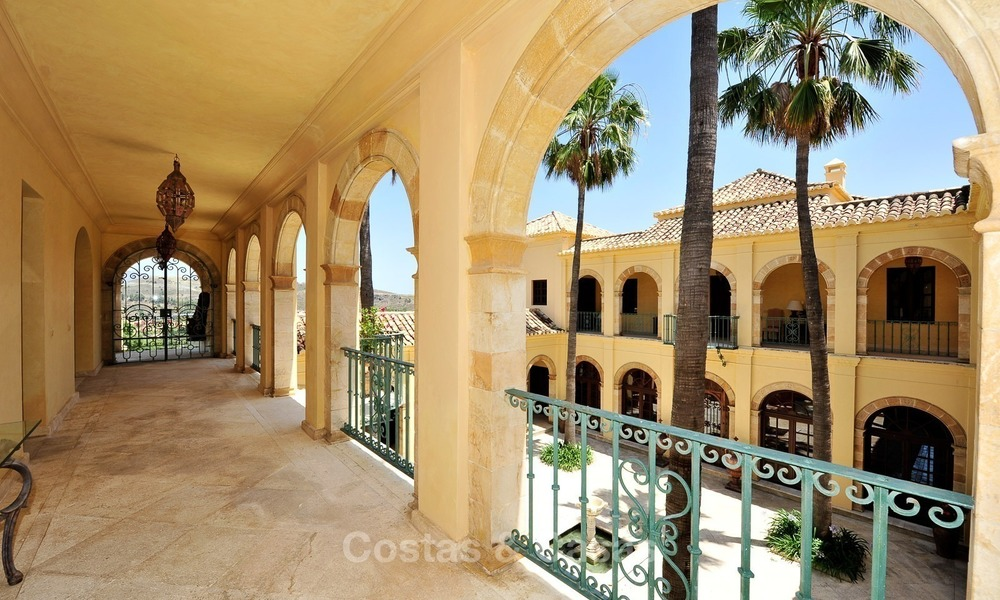Villa - country estate for sale, Marbella - Estepona 872