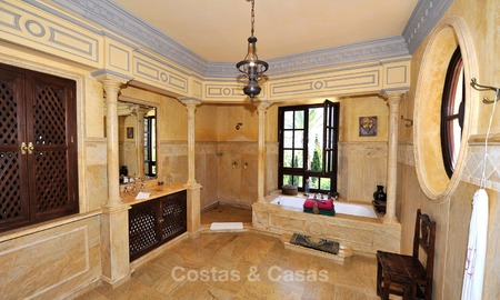 Villa - country estate for sale, Marbella - Estepona 875