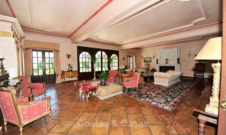 Villa - country estate for sale, Marbella - Estepona 889