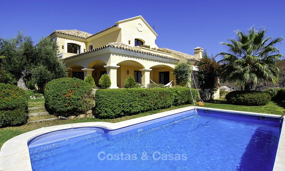 Luxury Villa for sale on golf resort Marbella - Benahavis 14077