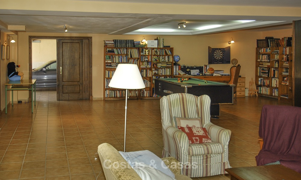 Luxury Villa for sale on golf resort Marbella - Benahavis 14093